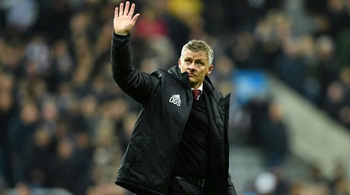 United chief backs Solskjaer, hits out at 'insults', 'myths'