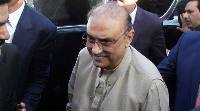 Zardari suffering from acute spinal cord pain