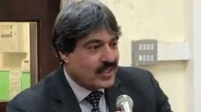 Police register case against unknown men for stealing Nasir Butt's car