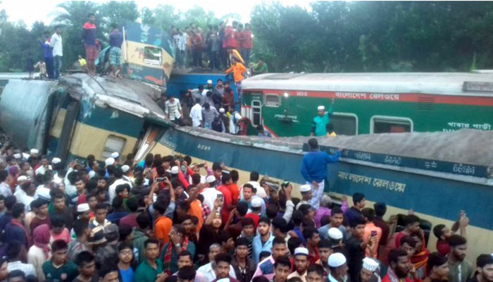 15 dead as trains collide in Bangladesh