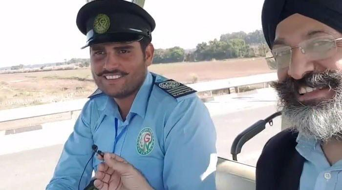 Ahad Raza Mir thanks viral Kartarpur driver for being 'good ambassador of Pakistan'