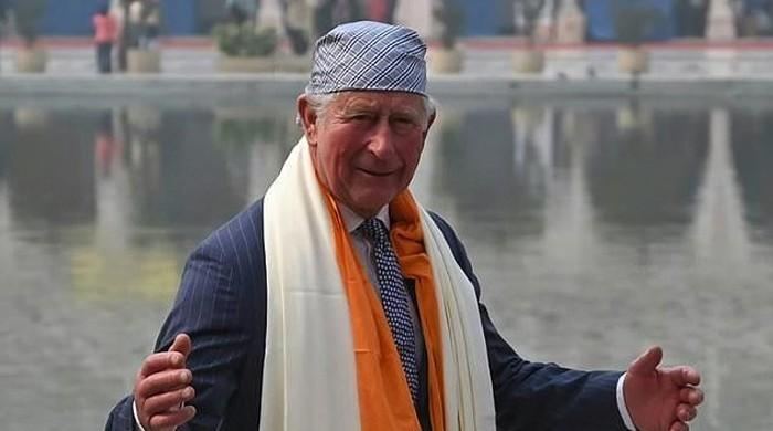 Delhi smog hits 'emergency' levels as Britain's Prince Charles visits