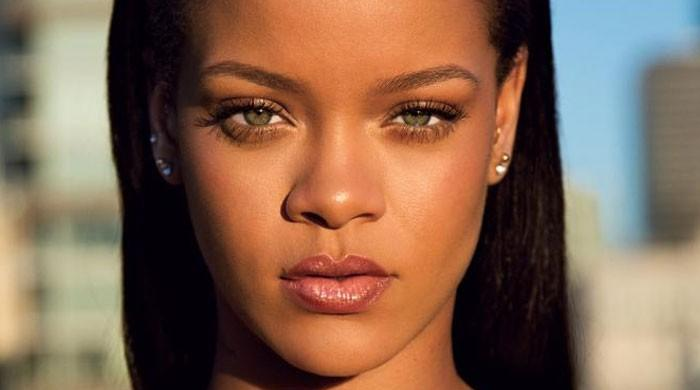 Rihanna asks for forgiveness from friends and family if she ever 'ignored them'