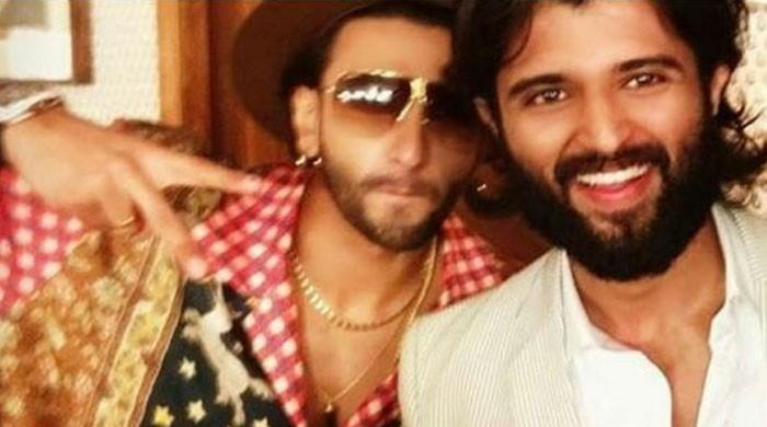 Ranveer Singh and Vijay Deverakonda's selfie leaves fans in a frenzy