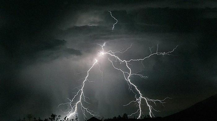 Freak accident leaves 18 dead as lightning strikes people in Tharparkar