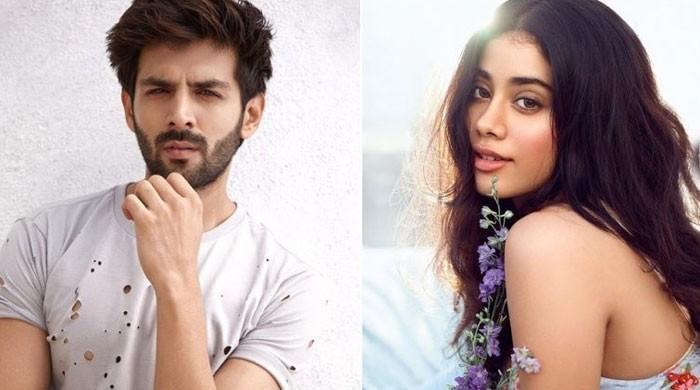 Janhvi Kapoor chills with Kartik Aaryan on sets of 'Dostana 2' sets