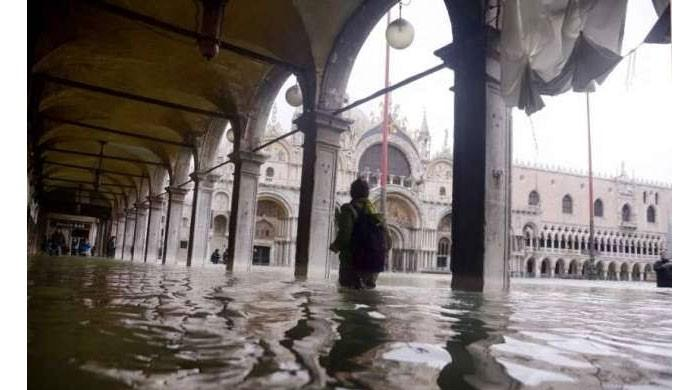St Mark's closed after fresh flood hits Venice