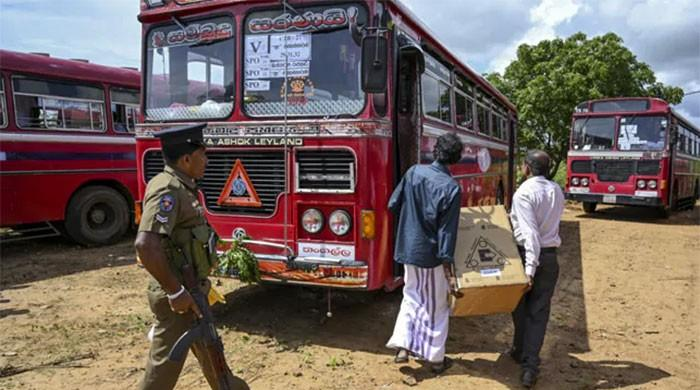 Gunmen open fire on buses carrying Muslim Sri Lankan voters