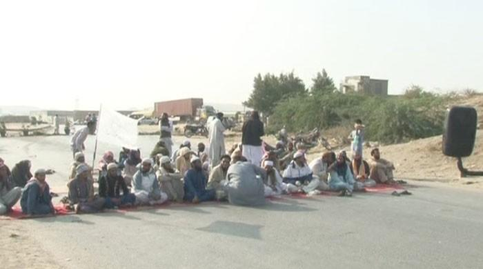 JUI-F continues to blocks major thoroughfares across country