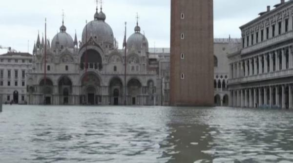 Venice's rising sea levels become dangerous