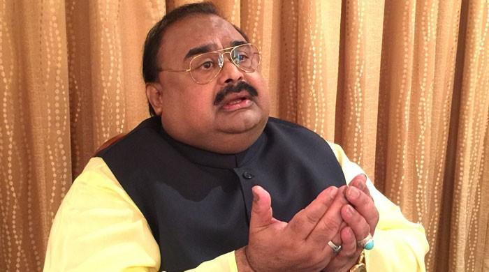 MQM founder seeks asylum, financial help from India