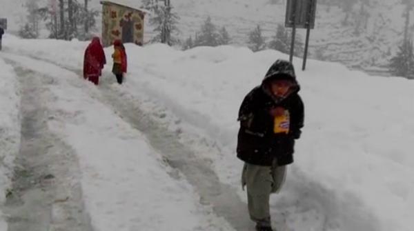 Azad Kashmir, Swat snowfall beckons tourists
