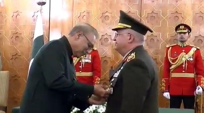 President Alvi confers Nishan-e-Imtiaz upon Turkish Chief of Armed Forces