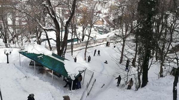 Snow turns Pakistan into winter wonderland