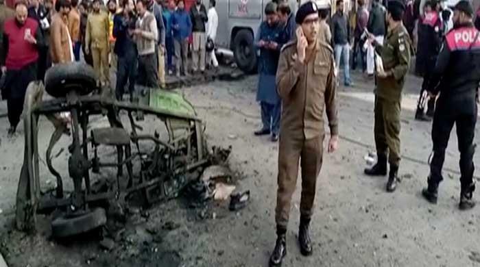 Seven injured in Lahore rickshaw blast