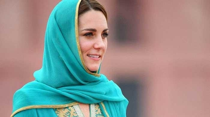 Kate Middleton thanks designer Maheen Khan for dressing her during Pakistan tour