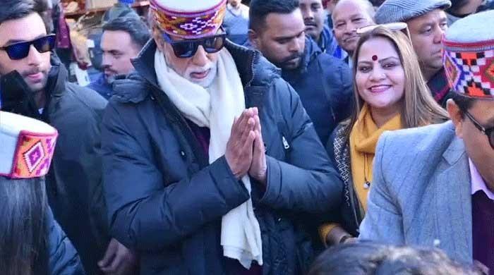 Amitabh Bachchan, Ranbir Kapoor shoot for Brahmastra in the freezing cold
