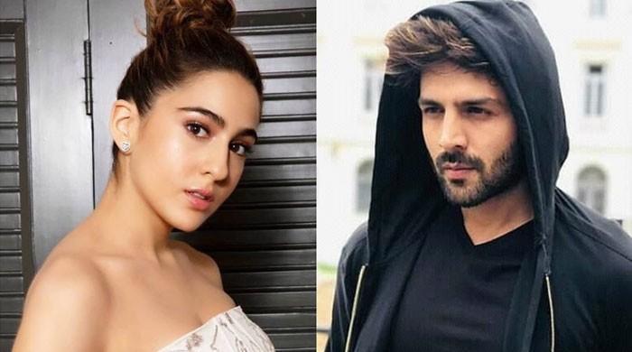 Kartik Aaryan picks Sara Ali Khan as his wife, sparks romance buzz again