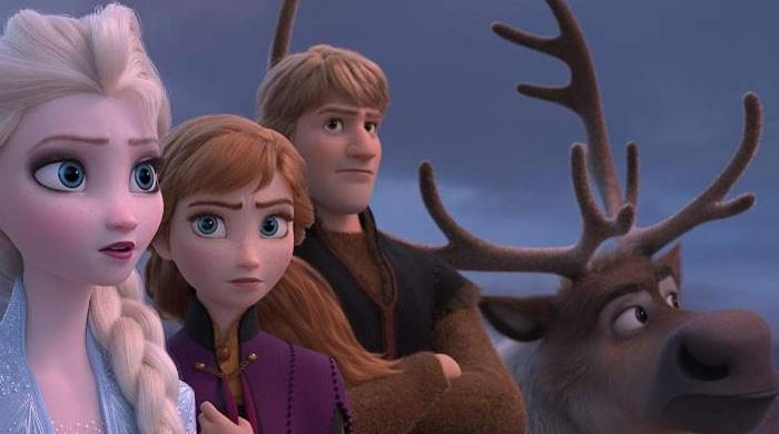'Frozen II' leads box office in second week