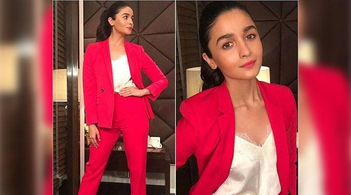 Alia Bhatt collects award before ceremony, netizens say it was 'fixed'