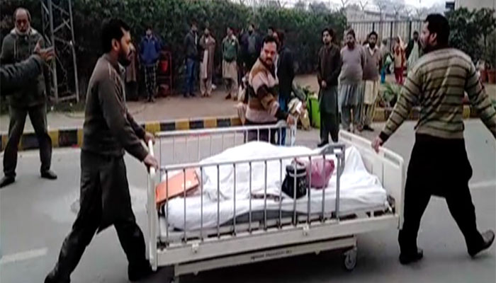 Pakistan charges 250 lawyers for treason in hospital assault
