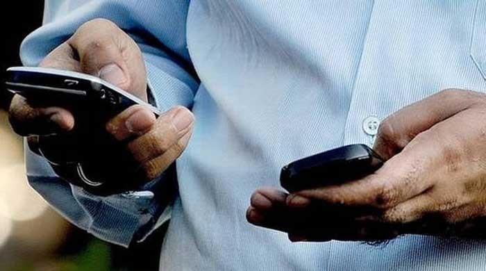 India restores incoming SMS in occupied Kashmir, mobile internet still cut