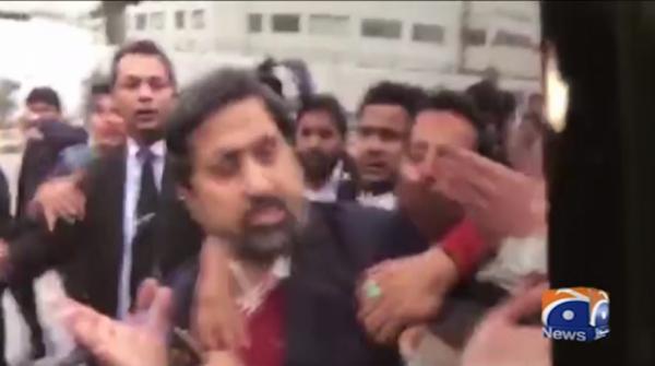 Protesting lawyers attack Punjab information minister Fayyaz ul Hassan Chohan