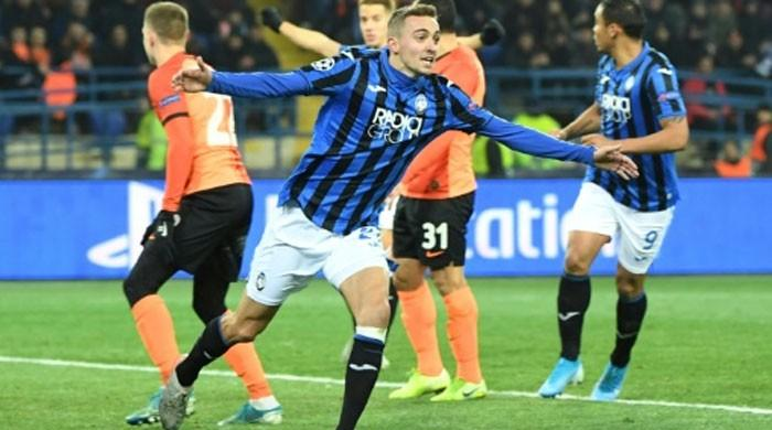 Champions League debutants Atalanta reach last 16
