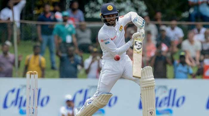 De Silva steadies Sri Lanka on weather-hit day