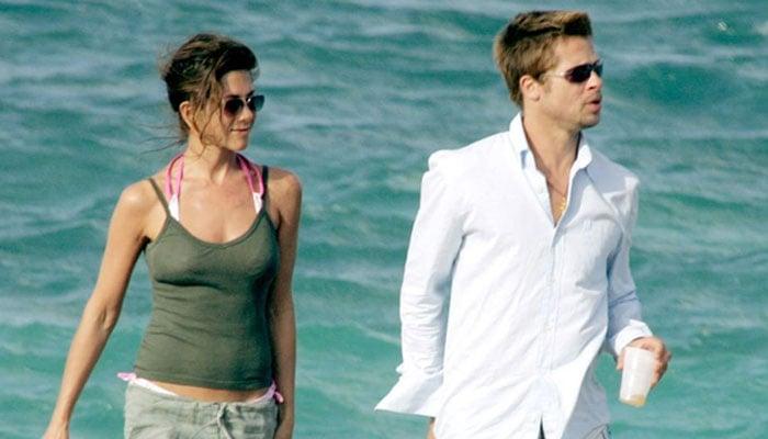 Brad Pitt, Aniston 'love they trust each other'