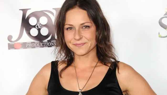 'Walking Dead' actress Vanessa Cloke arrested as ex-boyfriend moves