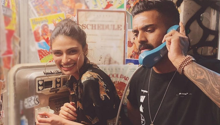 Suniel Shetty reacts to KL Rahul's post with daughter