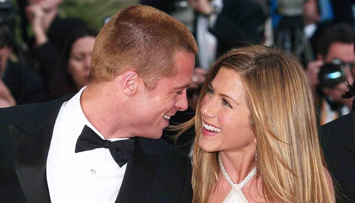 Brad Pitt and Jennifer Aniston seats are close — Golden Globes