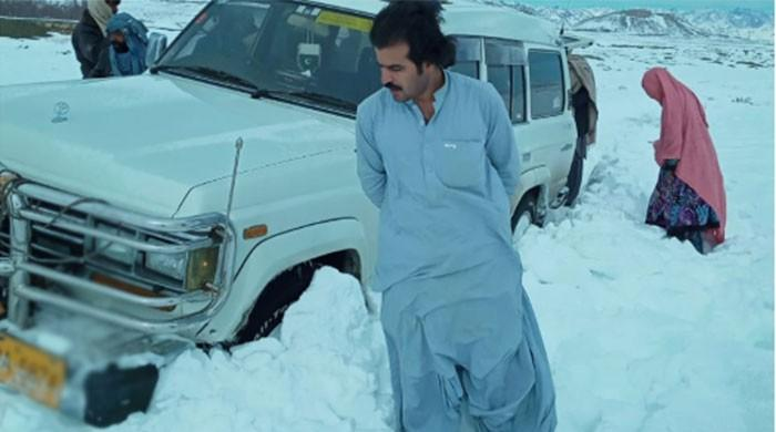 Local hero Suleman Khan rescues more than 100 people stuck in Quetta snow