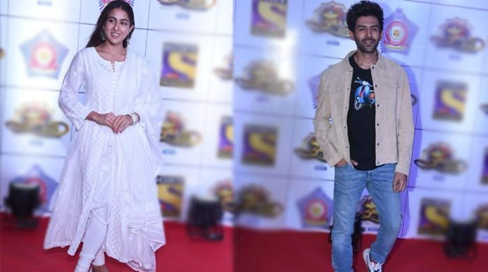 Sara Ali Khan, Kartik Aaryan spotted together at Umang 2020