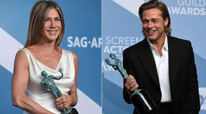Jennifer Aniston laughs, applauds at Brad Pitt's SAG 2020 acceptance speech