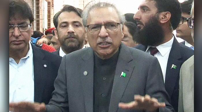 President Dr Arif Alvi unaware of who is behind Pakistan's wheat crisis