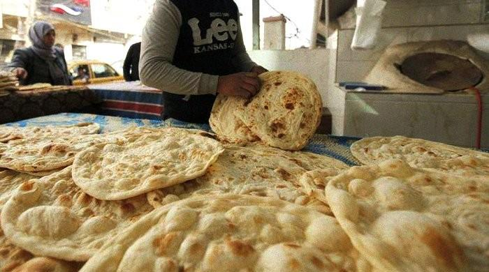 Nanbais of Peshawar go on strike against rising wheat prices