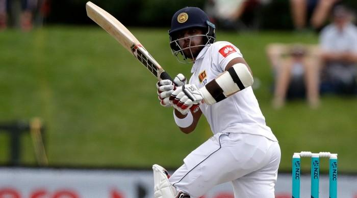 Sri Lanka close in on lead against Zimbabwe in Harare