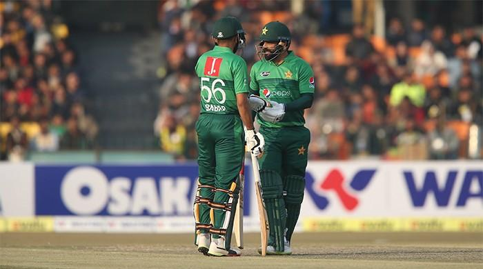Pakistan beat Bangladesh, clinch first T20I series win since 2018
