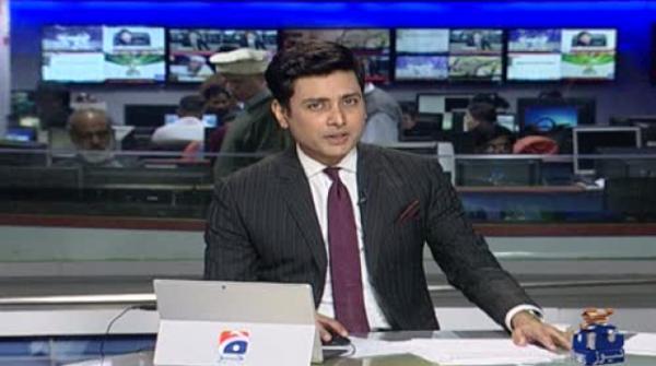 Mehwish Hayat irked by stinking ladies room at Karachi airport