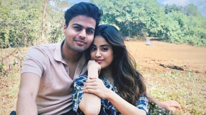 Janhvi Kapoor rekindles romance with ex Shikar Pahariya?