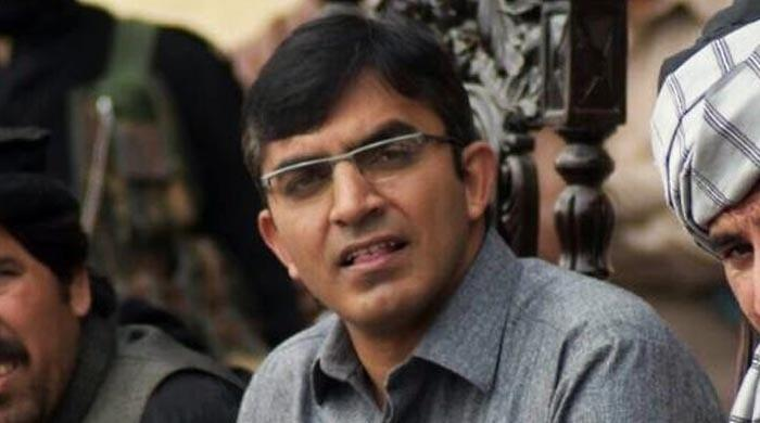 Police arrest Mohsin Dawar, 30 others in Islamabad