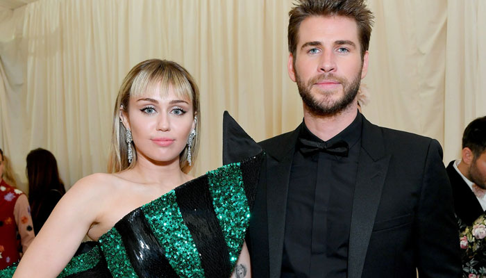 Miley Cyrus, Liam Hemsworth maintain their distance at pre-Oscars party