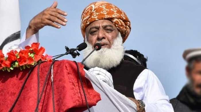 Fazl challenges govt to try him under Article 6