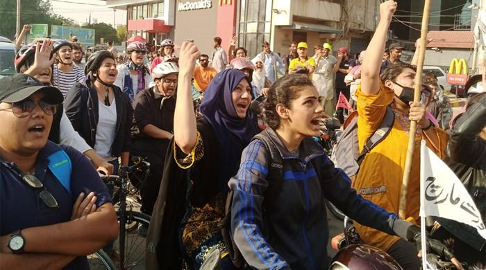 Women cyclists, bikers zoom on Karachi thoroughfare to honour Asma Jahangir