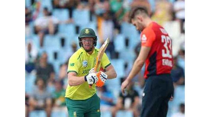 Klaasen powers South Africa to commanding 222