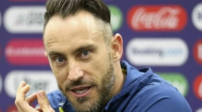 Du Plessis steps down as South Africa skipper