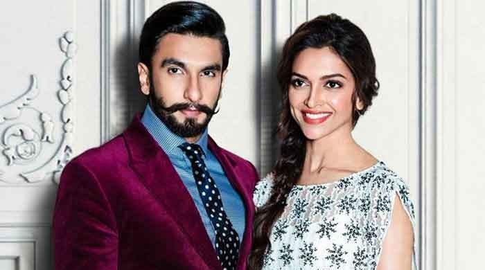 Ranveer Singh celebrates Filmfare victory with Deepika Padukone