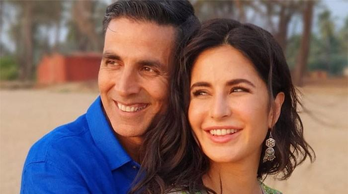 Akshay Kumar describes shooting with Katrina Kaif in one picture